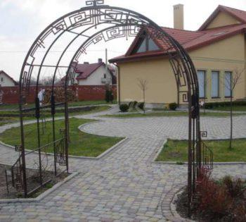 Кованая арка в Воронеже